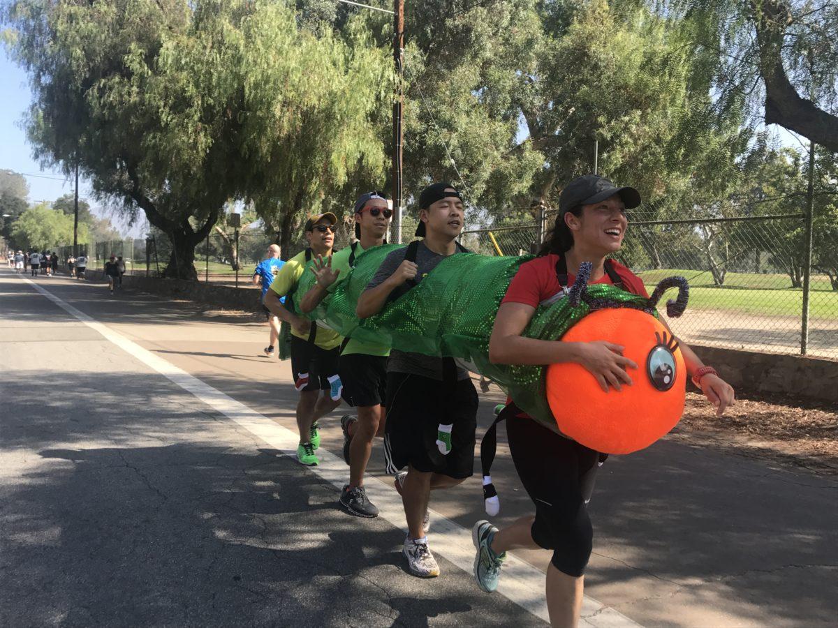 Team RADepillar [5] Training for the Berlin marathon in the costume